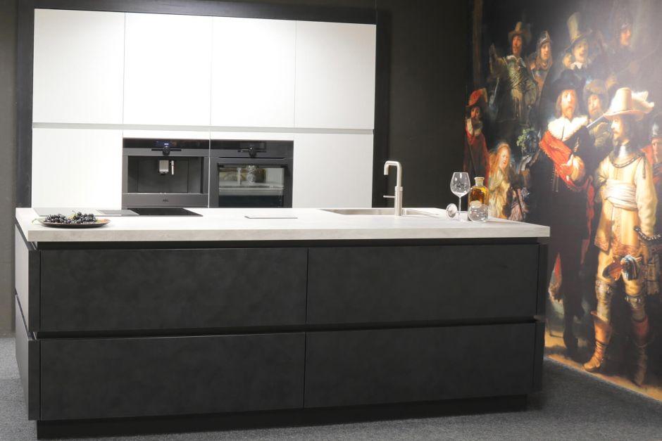 Luxe Rembrandt design keuken met kookeiland