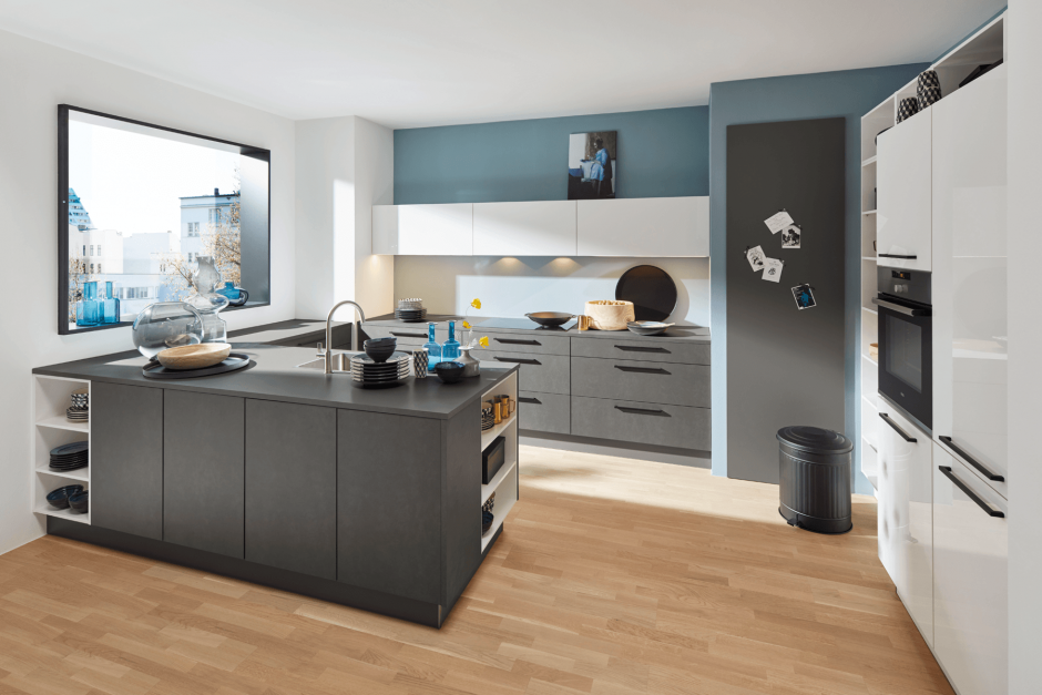 Moderne keuken Nolte met metaal grijze look