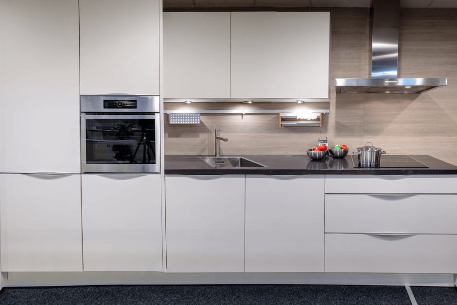 Moderne keuken rechte opstelling Nolte Magnolia mat
