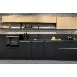Industriële-keuken-Nolte-Soft-Lak-met-Quooker-zwart
