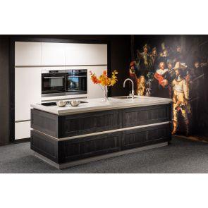 Luxe-Rembrandt-design-keuken-met-kookeiland