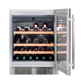 Liebherr-UWKes1752-21-onderbouw-wijnkoeler-met-isolatieglasdeuren-houten-plateaus
